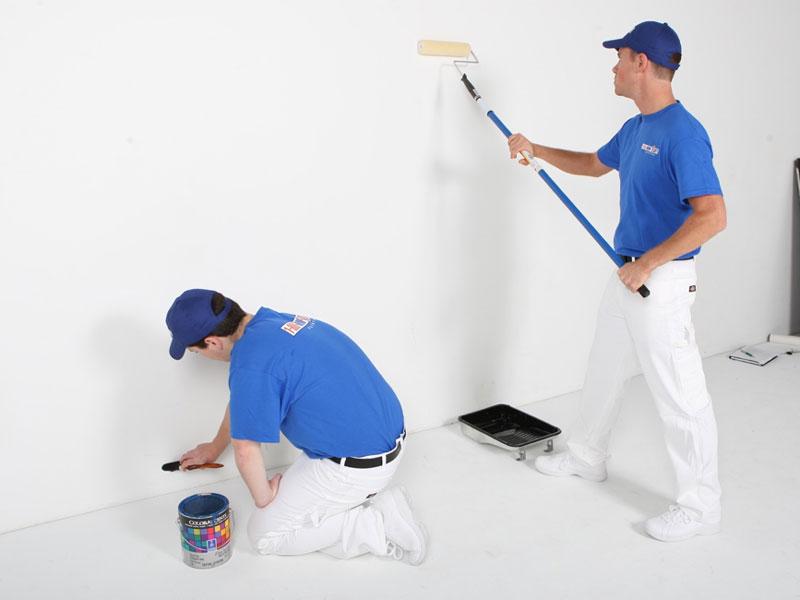 lăn sơn lót lên tường