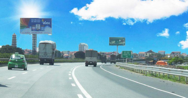 Bảng biển sơn Alex trên các đường quốc lộ